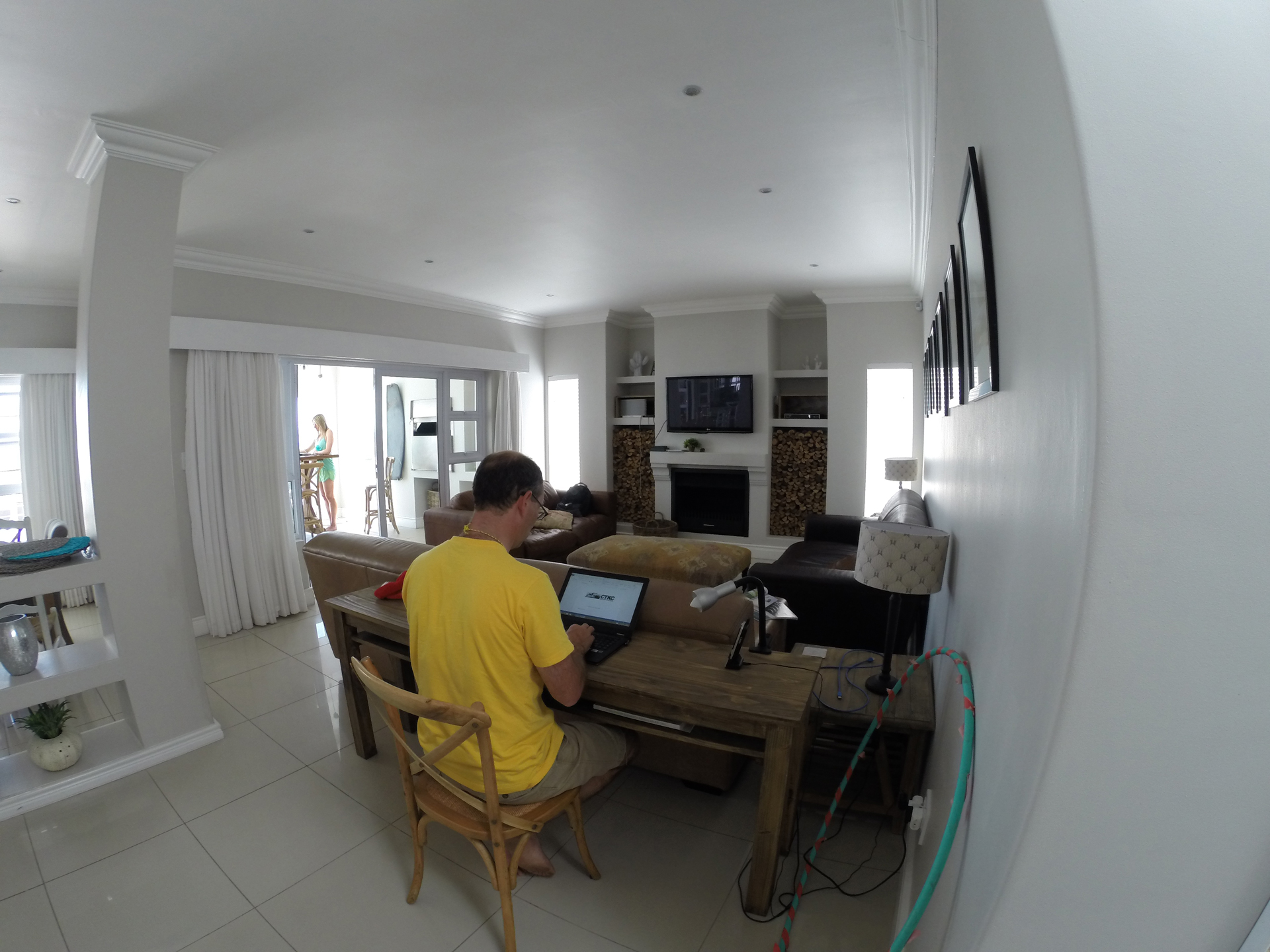 livingroom-and-office-in-background